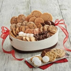 The Best Gift Baskets Option: Harry & David Deluxe Holiday Cookie Gift Basket