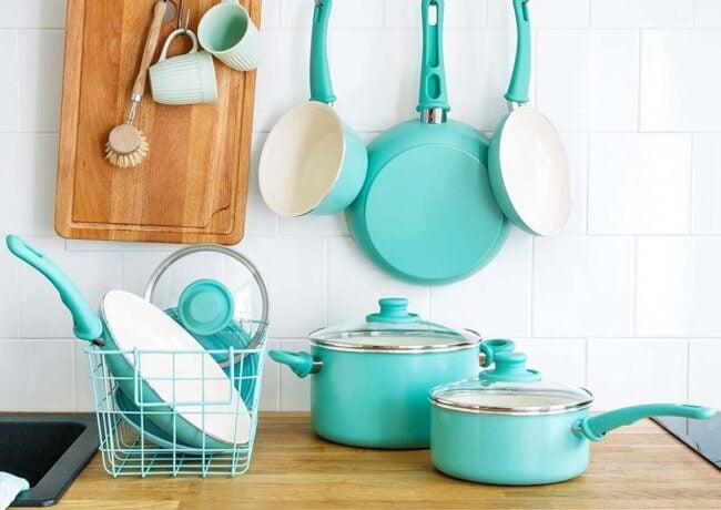 用于玻璃顶部炉灶选择的最佳炊具