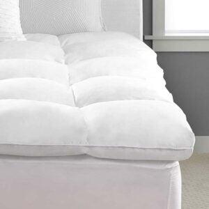 侧枕垫的最佳床垫选择选项:太平洋海岸羽毛豪华床垫上衣