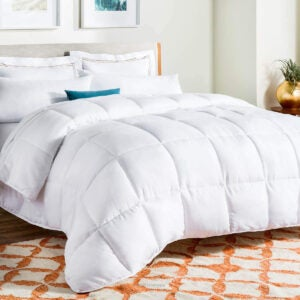 Best Bedding Options: Linenspa All-Season White Down Alternative Quilted Comforter