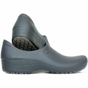 最好的园艺鞋选择:粘稠舒适的工作鞋