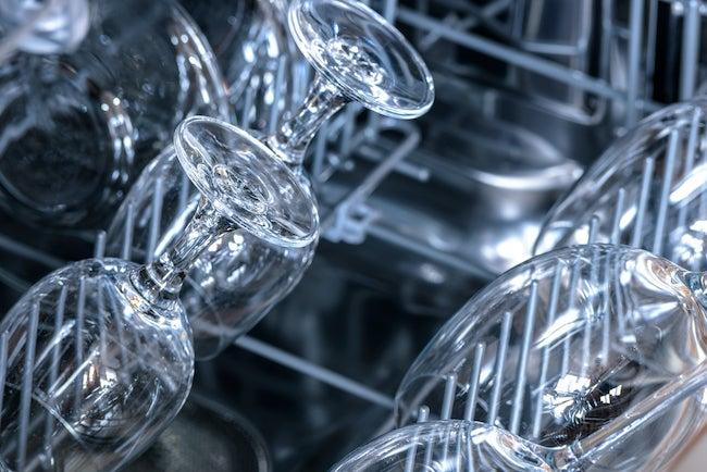 machine wash wine glasses