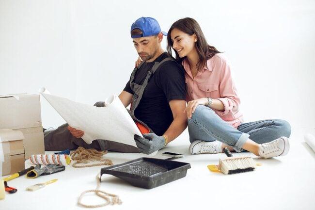 Best Contractors Near Me: DIY vs. Hiring a Professional Contractor