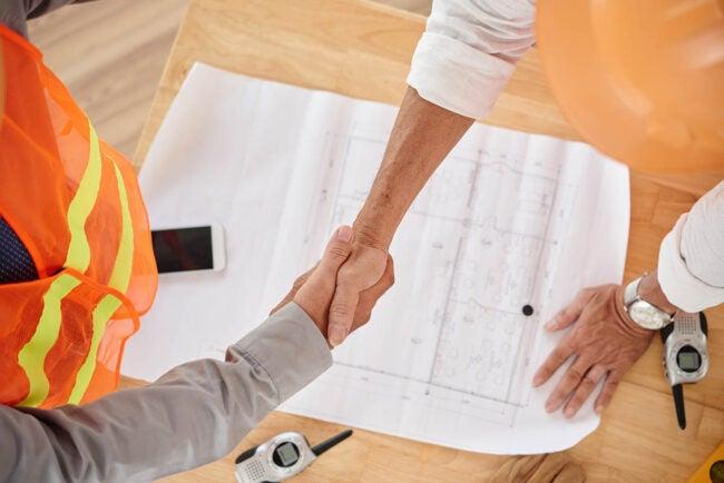 最好的承包商在我身边:如何找到一个信誉良好的承包商