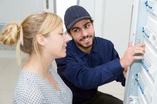 The Best Electrician Near Me: Questions to Ask your Electrician