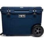 最好的轮式冷却器选项:yeti Tundra Haul便携式轮式冷却器