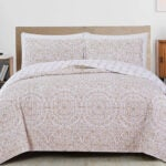 Best Quilts Options: Great Bay Home 3-Piece Reversible Quilt Set with Shams
