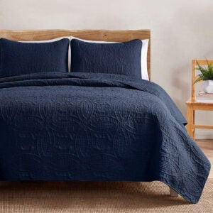 Best Quilts Options: VEEYOO Bedspread Quilt Set King