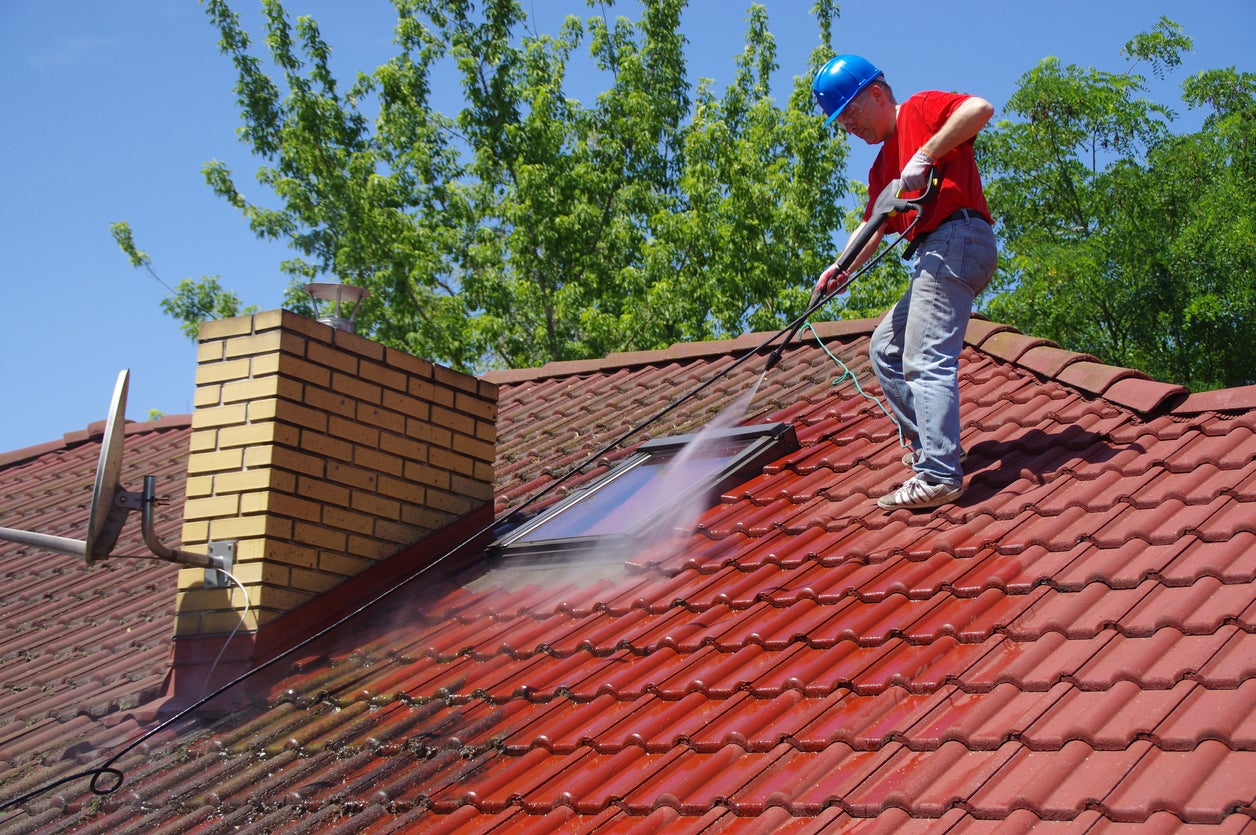 The Best Roof Cleaners for Mold, Mildew, and More - Bob Vila