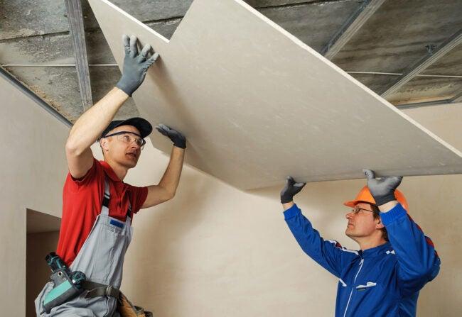 Drywall Cost: DIY vs. Hiring a Professional