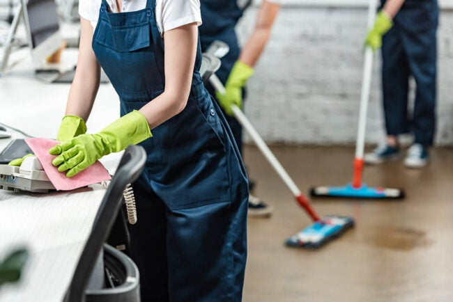 Factors in Calculating the Going Rate for House Cleaning