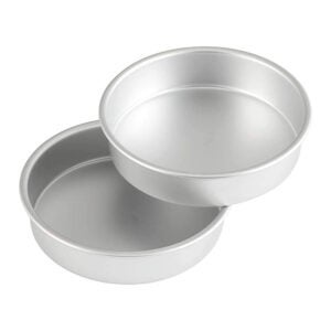The Best Cake Pan Options: Wilton Aluminum Round Set, 8 x 2-Inch, 2-Pack