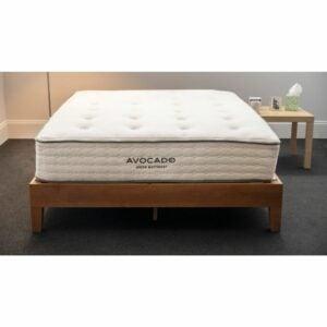 最佳全尺寸床垫选择:牛油果绿床垫