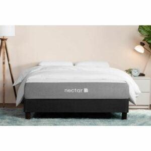 最佳全尺寸床垫选择:花蜜记忆泡沫床垫