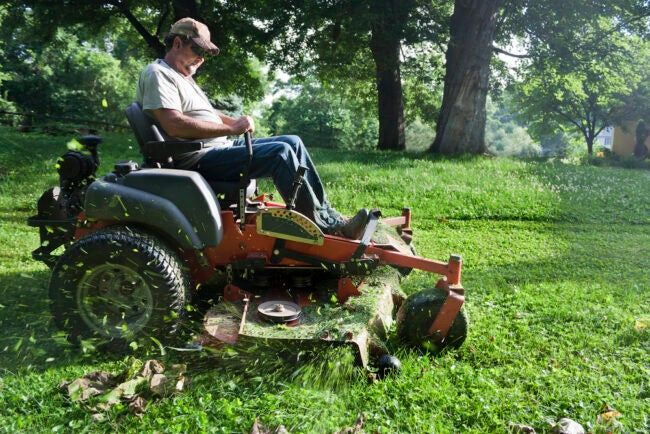 The Best Riding Lawn Mower For Hills