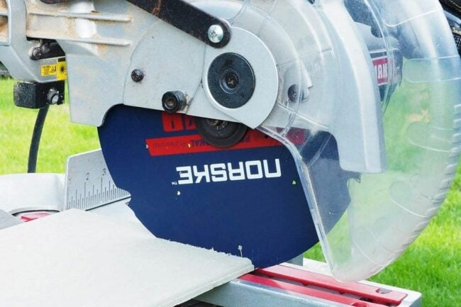 The Best Saw Blade For Cutting Laminate Flooring Option