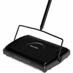 The Best Carpet Sweeper Options: Alpine Industries Triple Brush Floor & Carpet Sweeper
