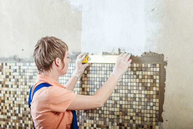 Bathroom Remodel Cost DIY vs. Hiring a Professional