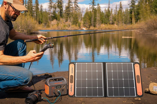 最好的便携式太阳能电池板