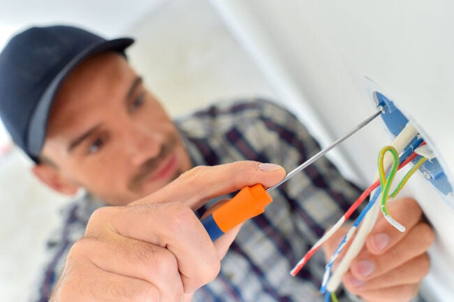 Fish Smell in House: You Need an Experienced Electrician