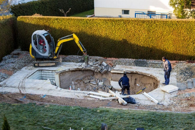 How to Build a Pool Excavation