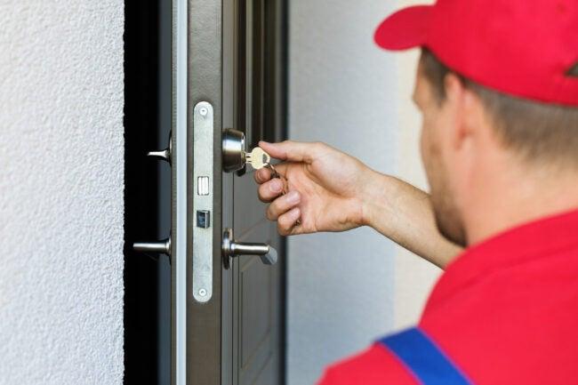 如何防止入室盗窃换锁