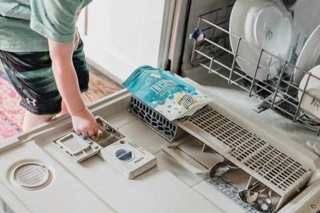 The Best Natural Dishwasher Detergent Options