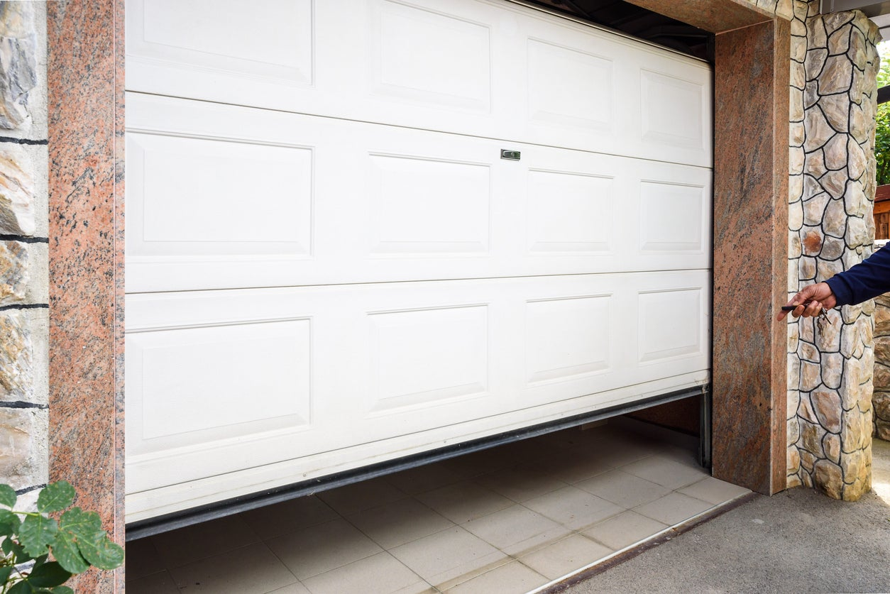 6 Things To Know About Garage Door Opener Installation