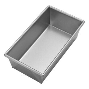Best Loaf Pan Option: Chicago Metallic Commercial II Traditional Loaf Pan