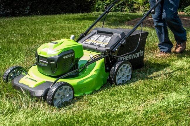 最佳推动割草机选项