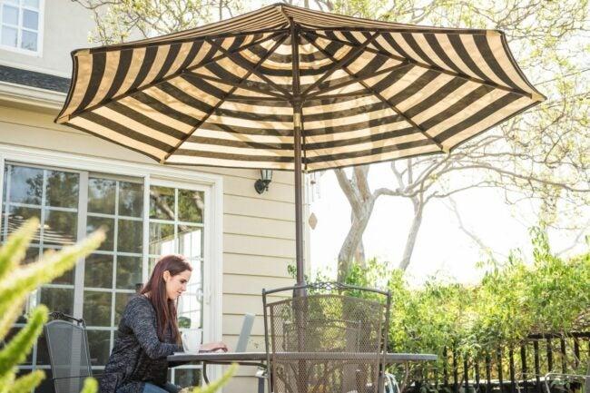 最好的庭院伞选择