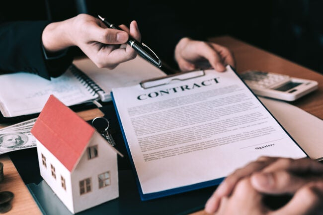 Home agents are sending pens to customers signing a contract to buy a new home.