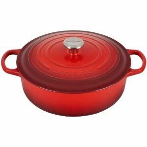 最好的阵亡将士纪念日销售选择:Le Creuset铸铁签名圆形宽荷兰烤箱