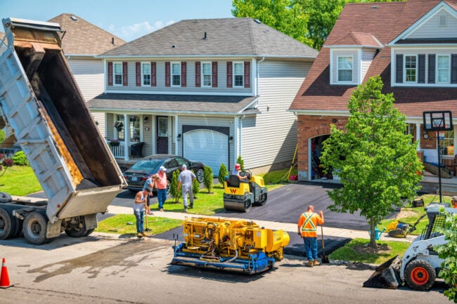 How Much Does it Cost to Pave a Driveway DIY vs. Hiring a Professional