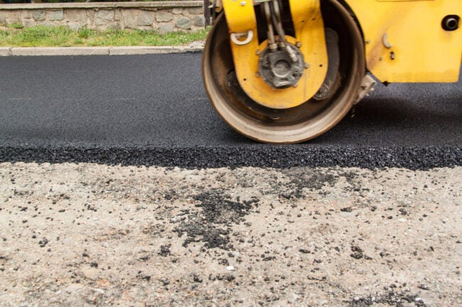 How Much Does it Cost to Pave a Driveway Types of Materials