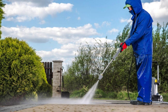 Power Washing Services When to Hire a Professional