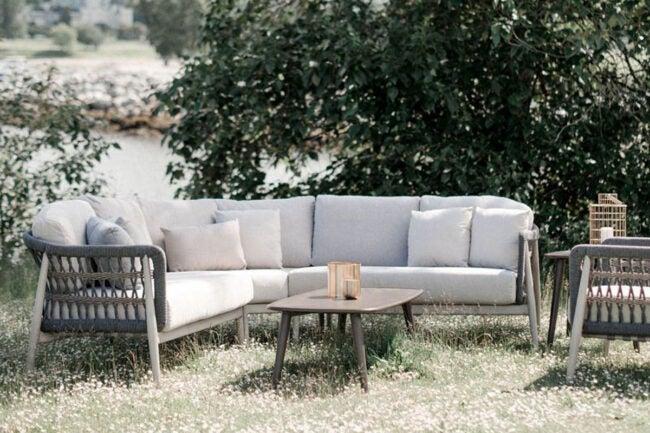 The Best Outdoor Furniture Brands Option: Ratana