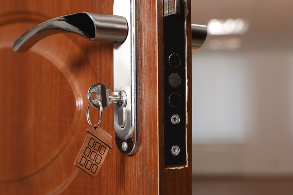 How Much Does a Locksmith Cost? How To Anticipate What You'll Spend on a  Locksmith