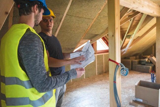 Insulation Cost DIY vs. Hiring a Professional