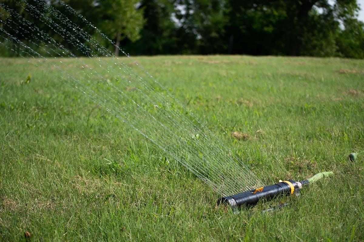Melnor Sprinkler Should You Choose It