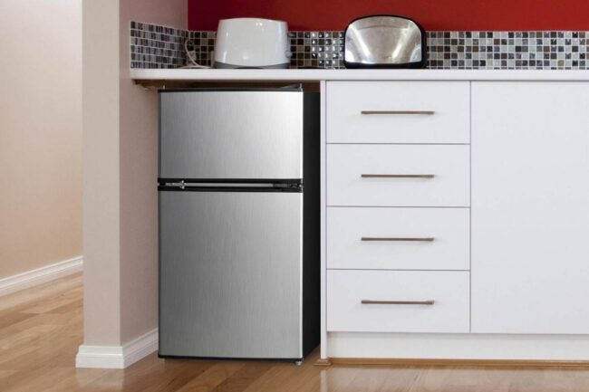 The Best Places to Buy a Refrigerator Option: Walmart