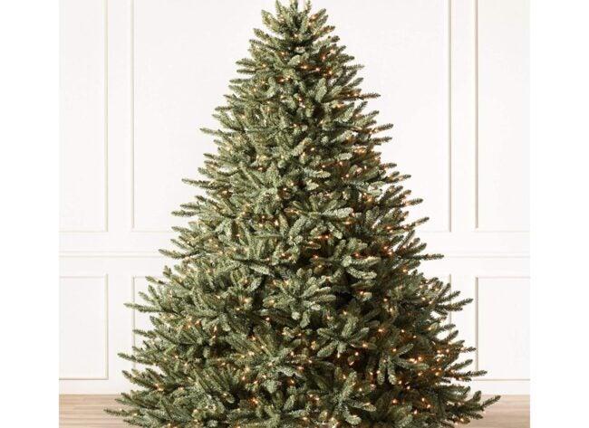 Best Artificial Christmas Tree Option: Balsam Hill 7ft Premium Pre-Lit Artificial Tree