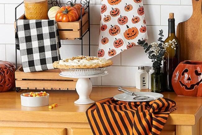 The Best Halloween Decorations Option: DII Halloween Printed Dishtowel Set