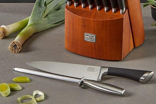 The Best Kitchen Knife Brand Option: Chicago Cutlery
