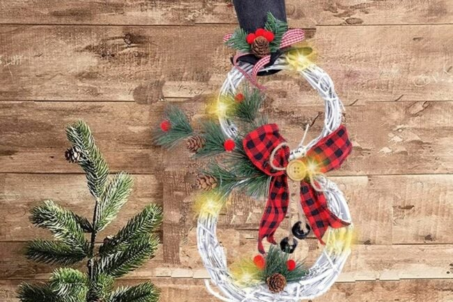 The Best Christmas Wreaths Option: KINNJAS Christmas Wreath - Christmas Decoration