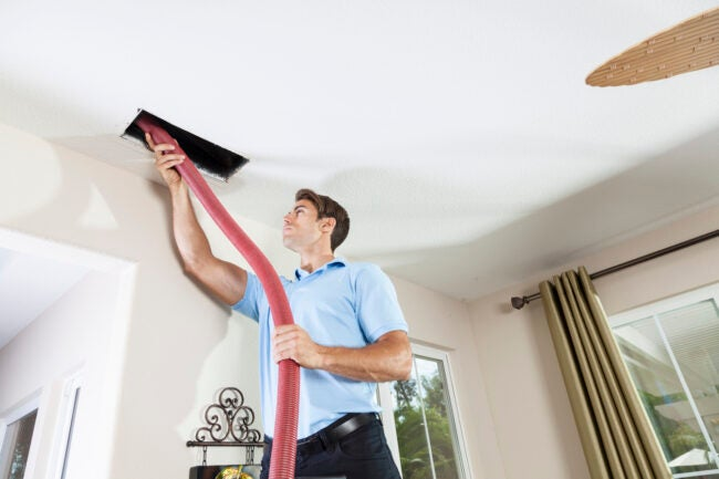 cleaning hvac ducts