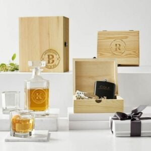 The Engraved Gifts Option: Wooden Gift Set, Flask and Knife