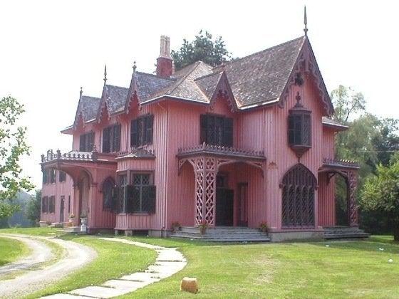 http://www2.nau.edu/~twp/architecture/gothic/