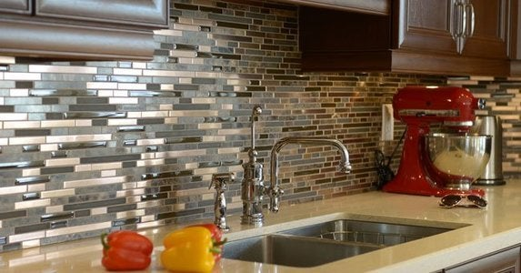 How To Paint Glass Easy Diy Guide, Can U Paint Glass Tiles