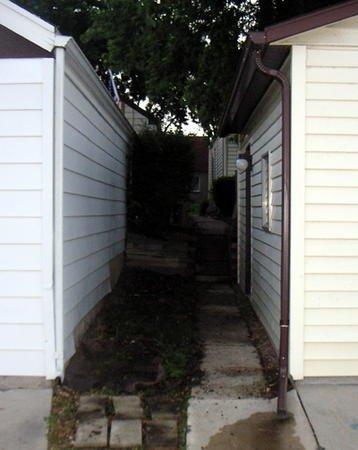 1374 area between garages